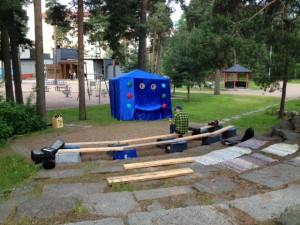 Samu ja Ahmatti Tullinpuomin leikkipuistossa